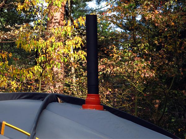 テントから煙突