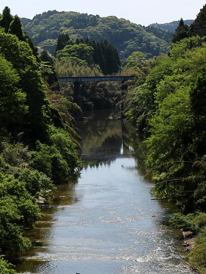 川越えて。
